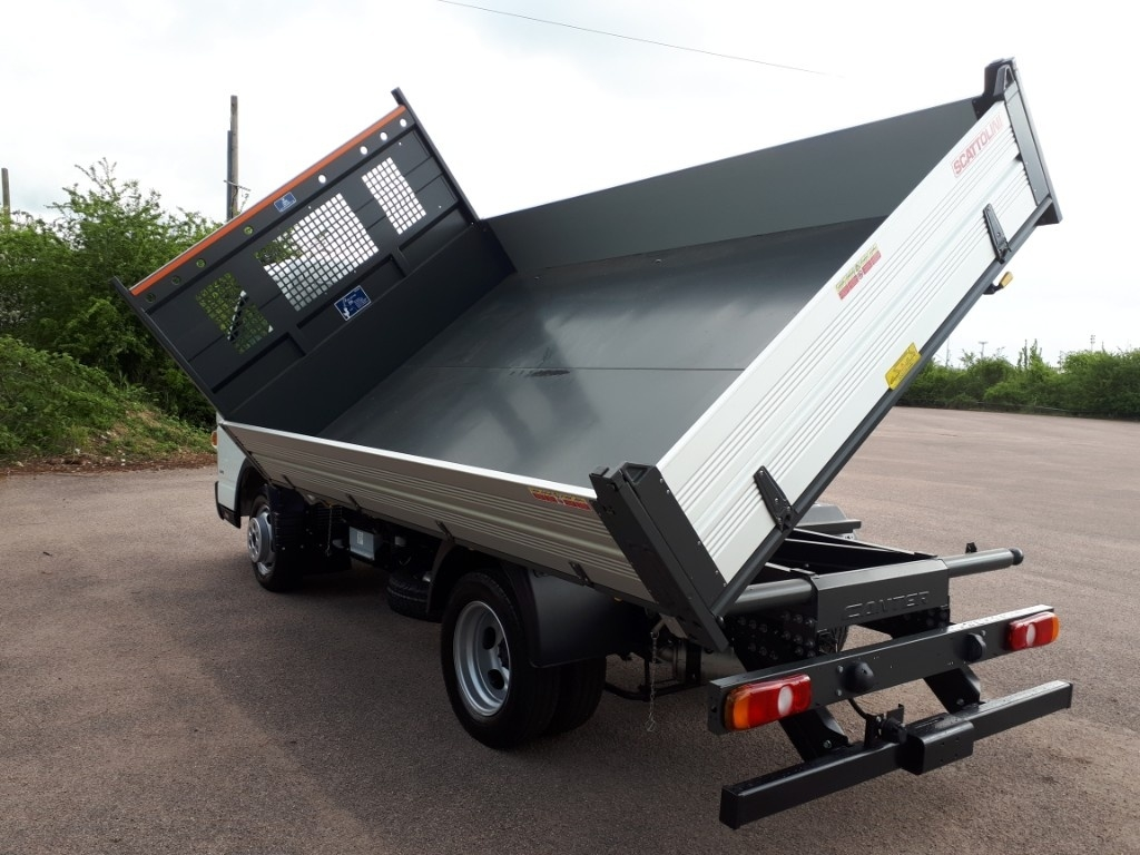 FUSO Canter 3C13 3 WAY TIPPER AIR CON - image 3