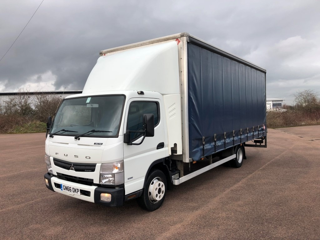 FUSO Canter 7C15 Curtainsider - image 2