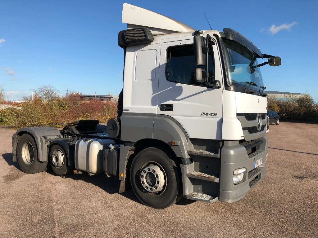 Mercedes-Benz Axor Mini Lift low roof sleeper