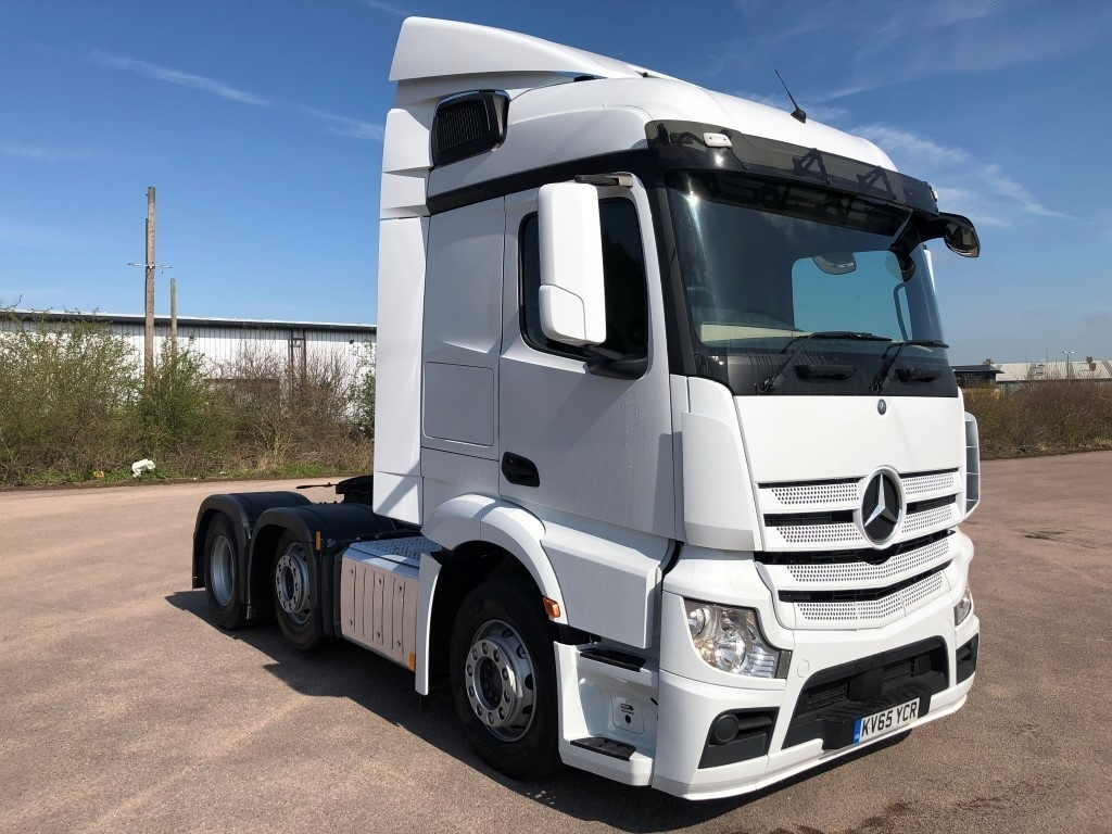 Mercedes-Benz Actros 2543LS Streamspace
