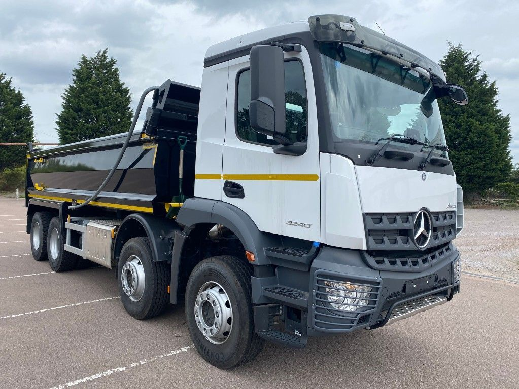 Mercedes-Benz Arocs 3240 Thompsons Tipper