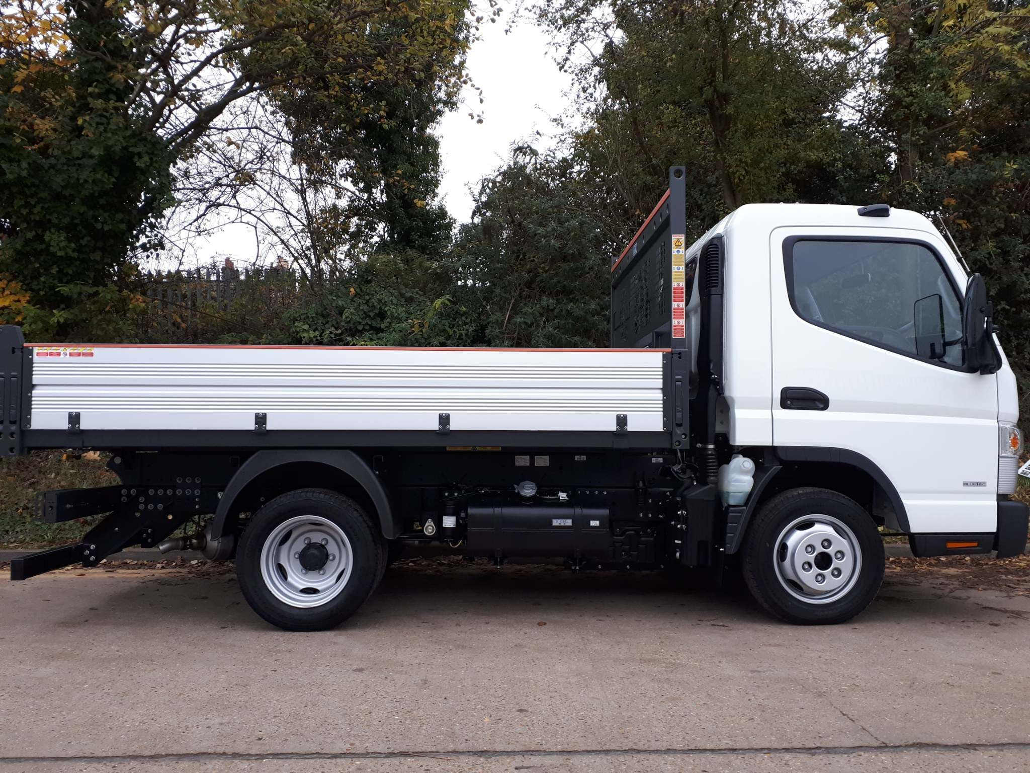 FUSO Canter 3C13 TIPPER - image 4
