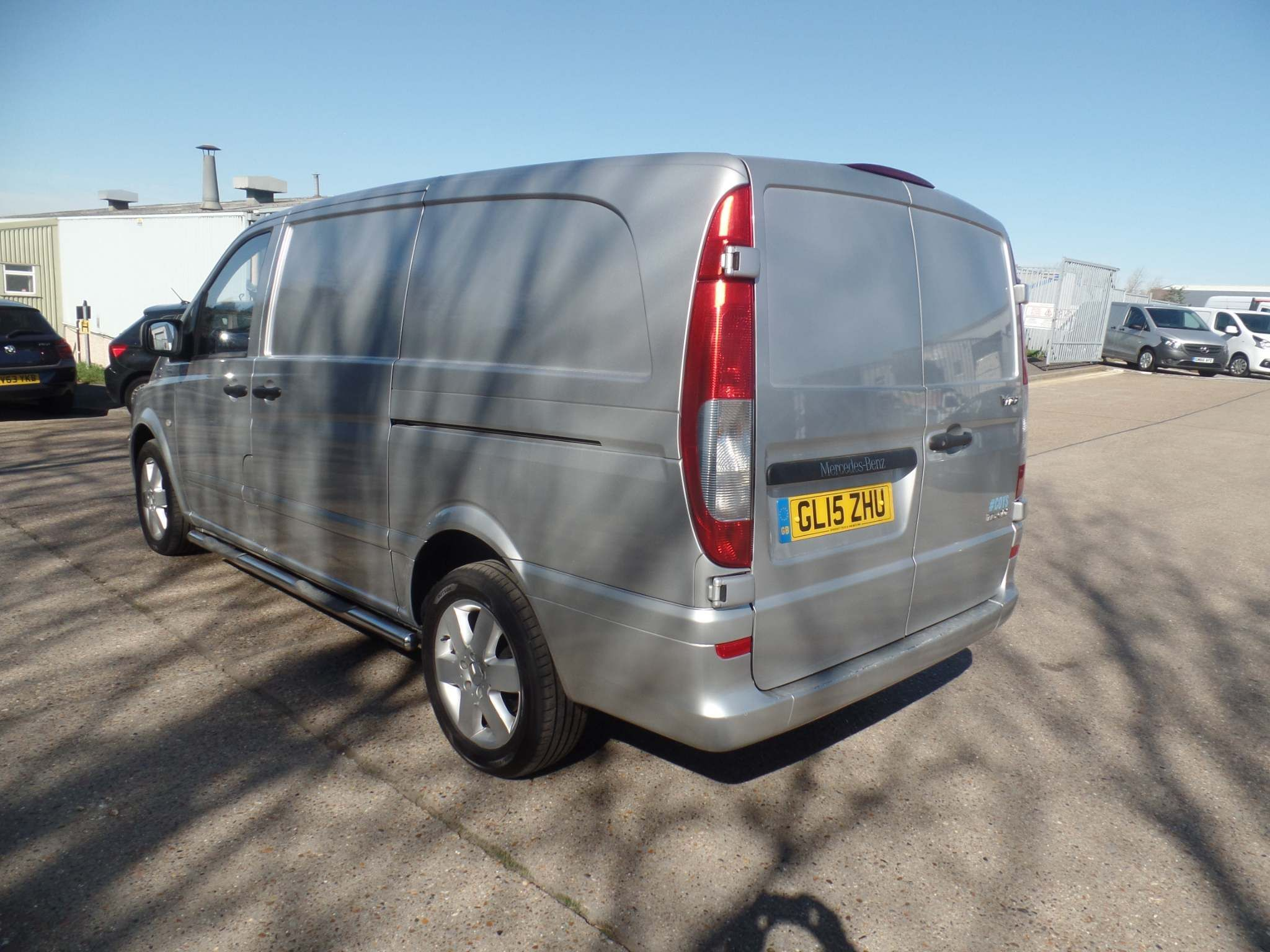 Mercedes-Benz Vito 2.1 116CDI BlueEFFICIENCY Long Panel Van 5dr (EU5) - image 4