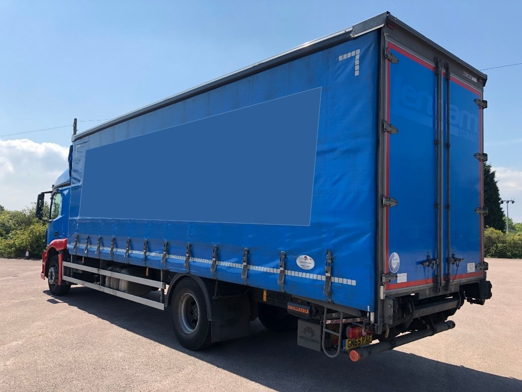 Mercedes-Benz Actros 1824L Curtainsider with taillift - image 3
