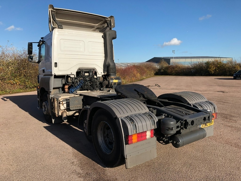 Mercedes-Benz Axor Mini Lift low roof sleeper - image 4