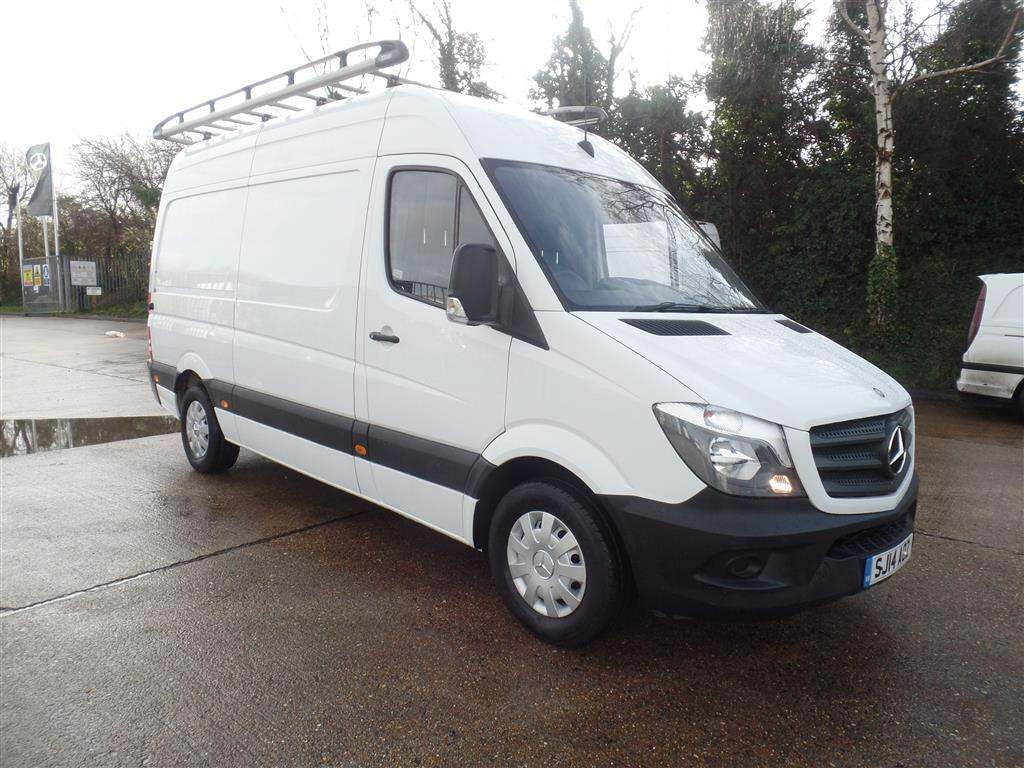 Mercedes-Benz Sprinter 2.1 CDI 313 High Roof Panel Van 5dr MWB - image 2