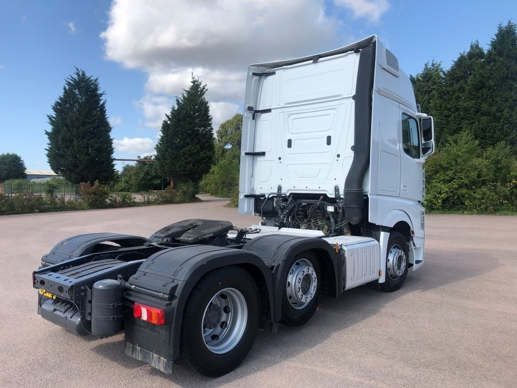 Mercedes-Benz Actros 2551LS Euro 6 Gigaspace - image 4