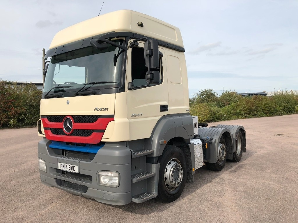 Mercedes-Benz Axor 2543LS High Roof with Manual Gearbox & Hydraulics for Tipping Trailer - image 2