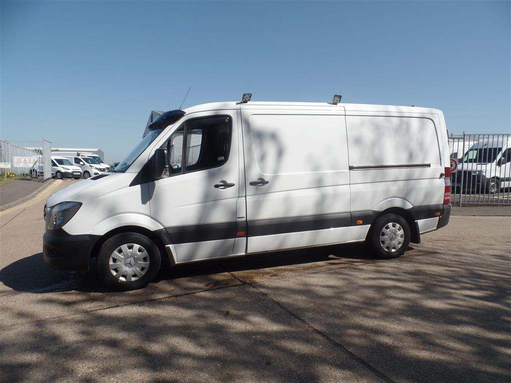 Mercedes-Benz Sprinter 2.1 CDI 316 Panel Van 4dr MWB - image 3