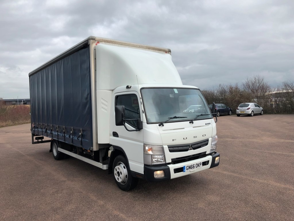 FUSO Canter 7C15 Curtainsider - image 1
