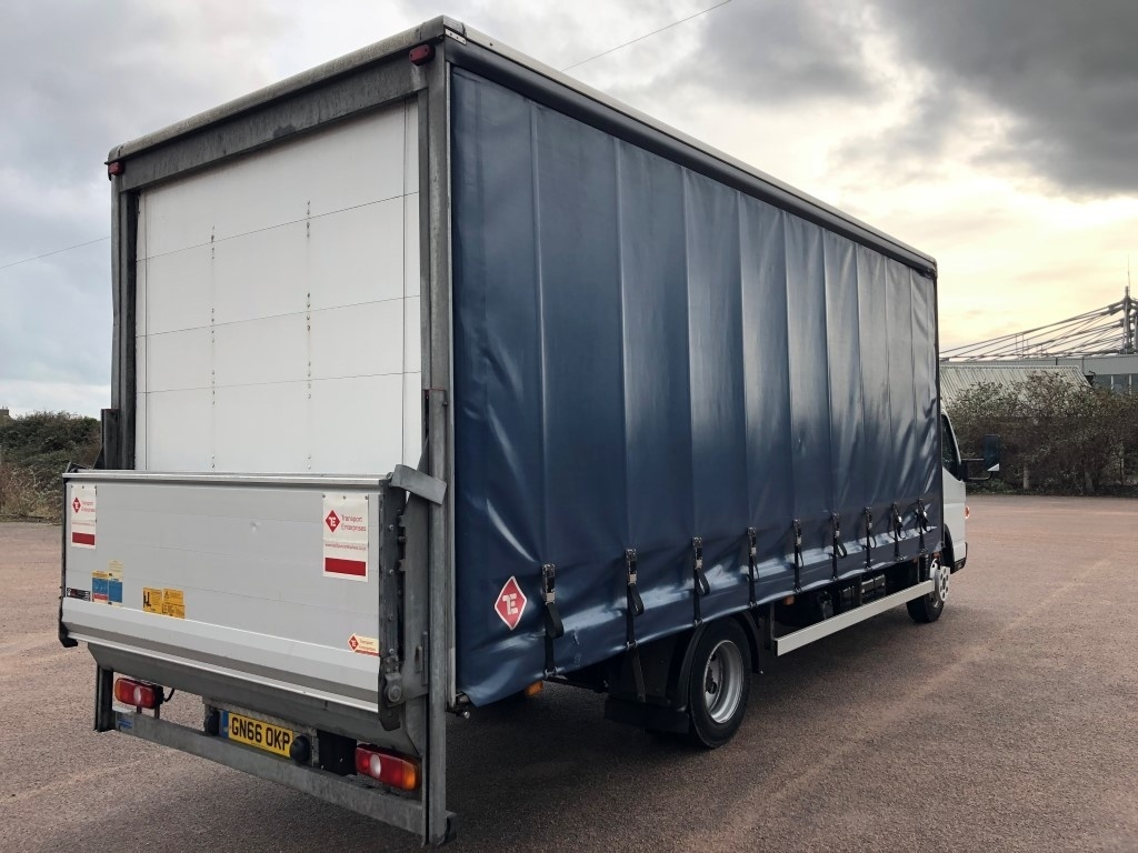 FUSO Canter 7C15 Curtainsider - image 4