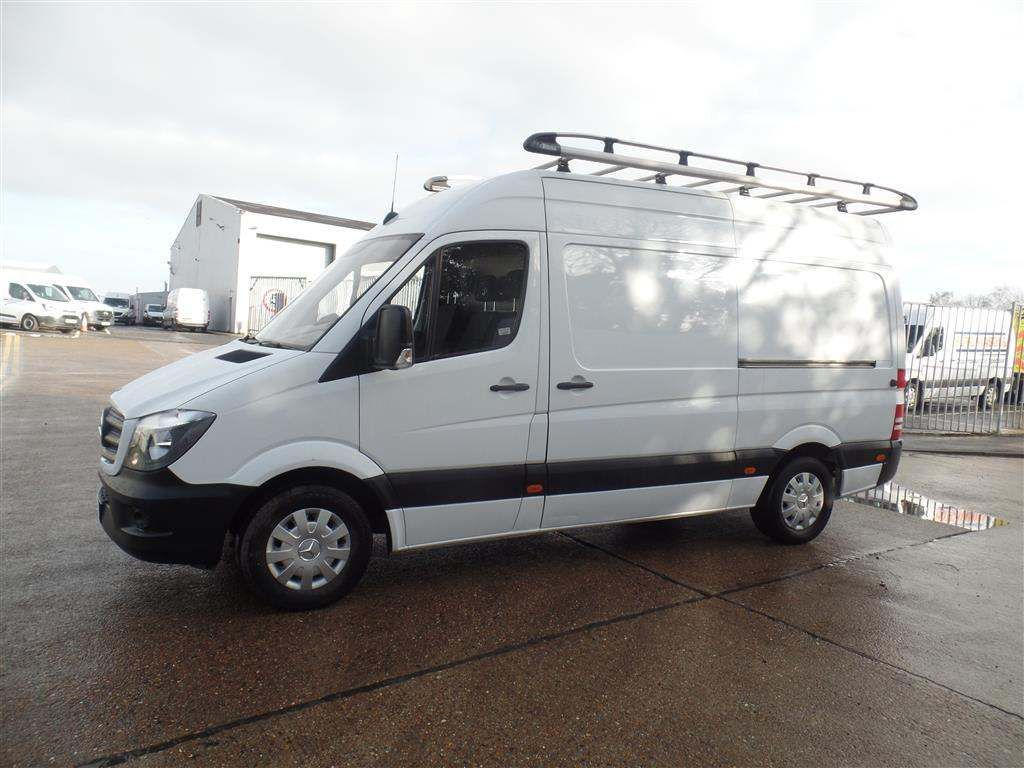 Mercedes-Benz Sprinter 2.1 CDI 313 High Roof Panel Van 5dr MWB - image 3