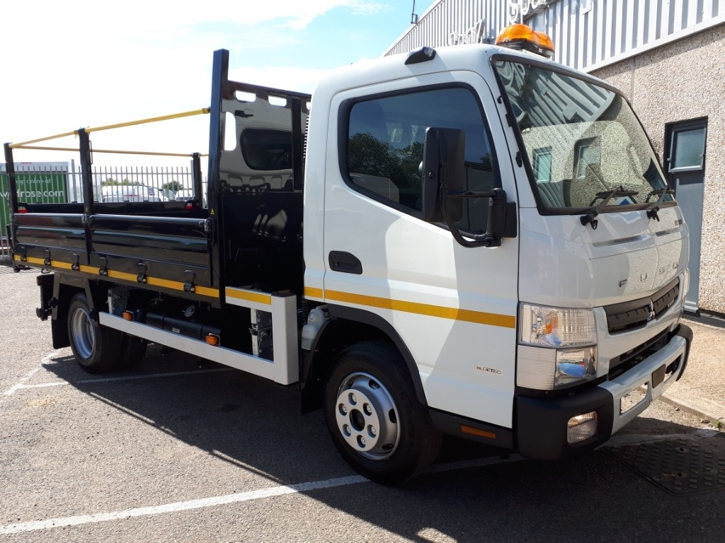 FUSO Canter 7C15 INSULATED TIPPER - image 1
