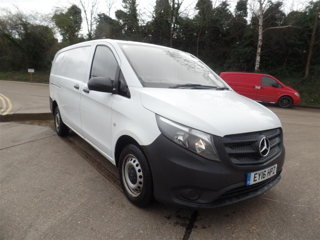 Mercedes-Benz Vito 2.1 114CDI Long Panel Van 5dr (EU6) - image 2