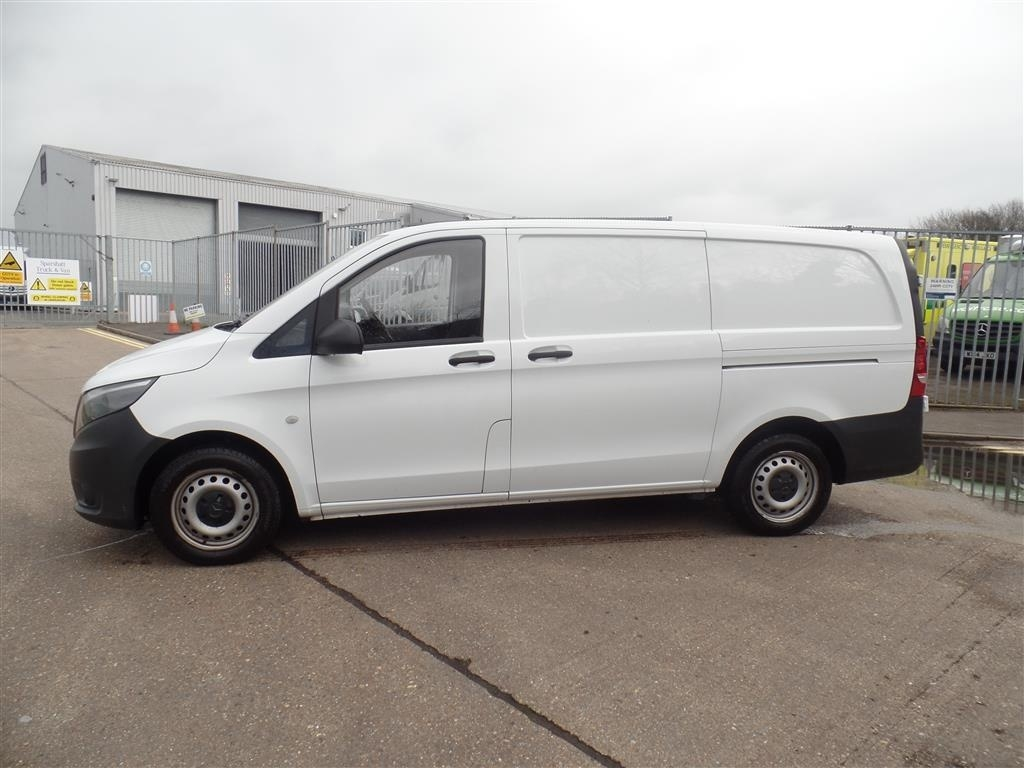 Mercedes-Benz Vito 2.1 114CDI Long Panel Van 5dr (EU6) - image 3