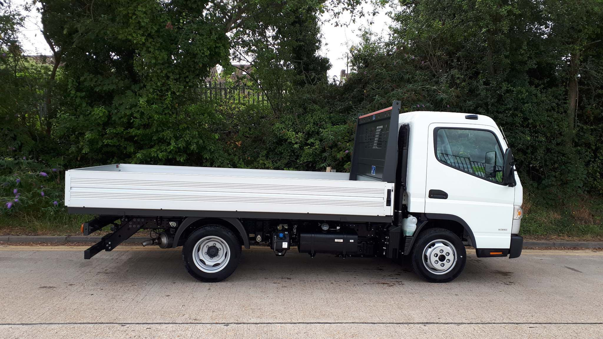 FUSO Canter 3C13 Manual Dropside - image 2