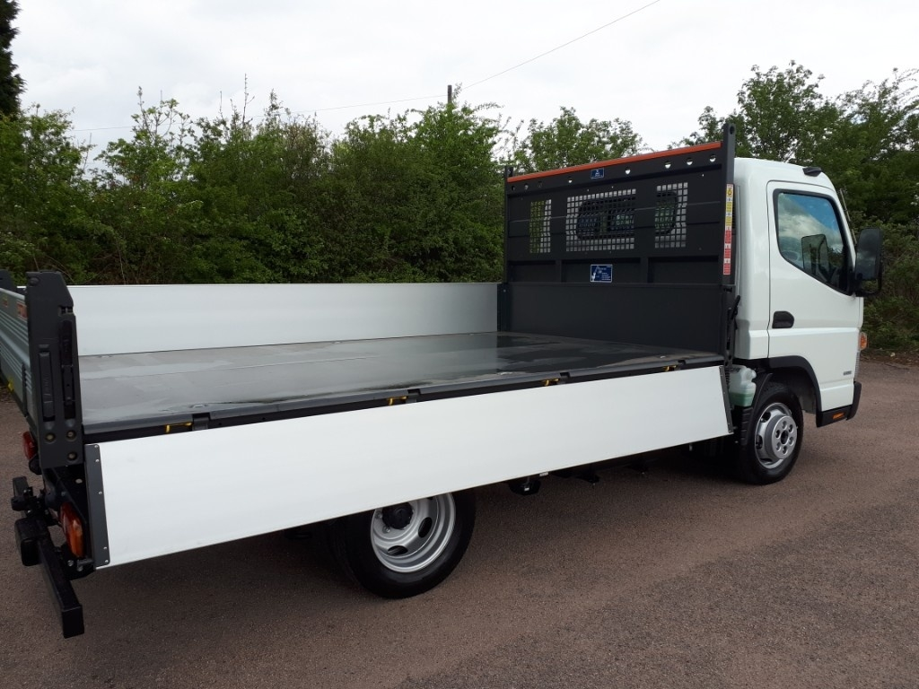 FUSO Canter 3C13 3 WAY TIPPER AIR CON - image 5