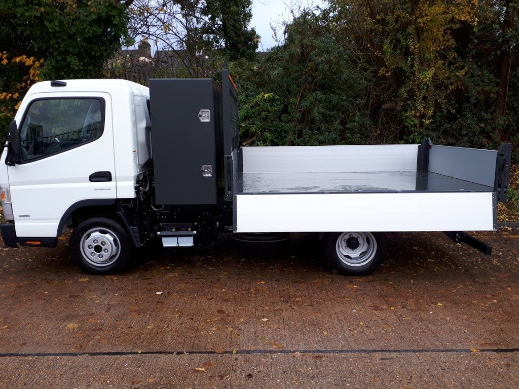 FUSO Canter AUTOMATIC Tipper+Toolpod - image 4