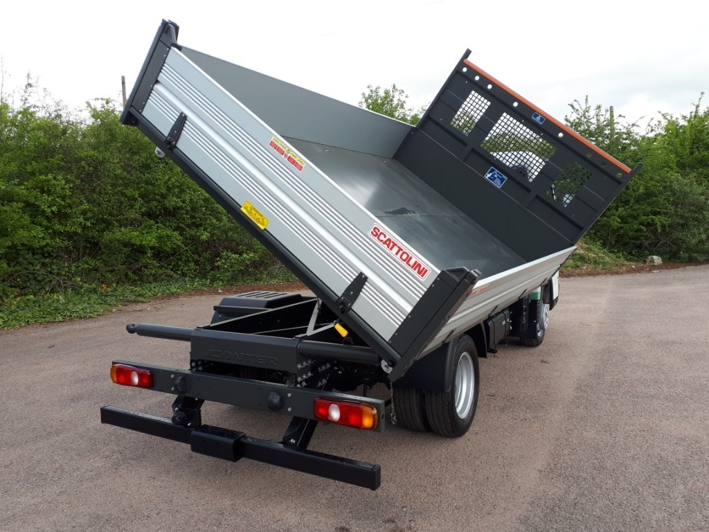 FUSO Canter 3C13 3 WAY TIPPER AIR CON - image 2