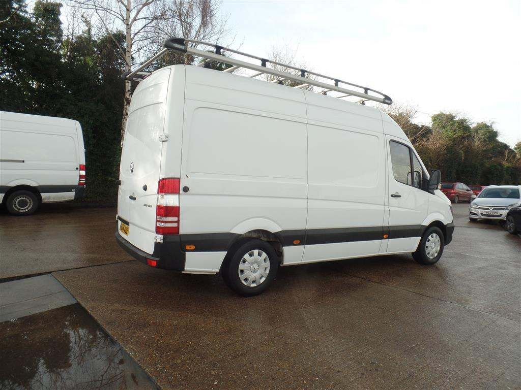 Mercedes-Benz Sprinter 2.1 CDI 313 High Roof Panel Van 5dr MWB - image 5