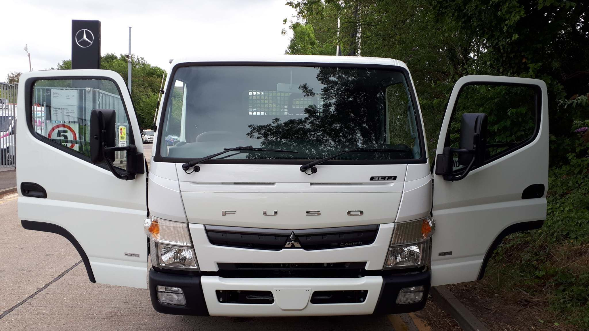 FUSO Canter 3C13 Manual dropside - image 5