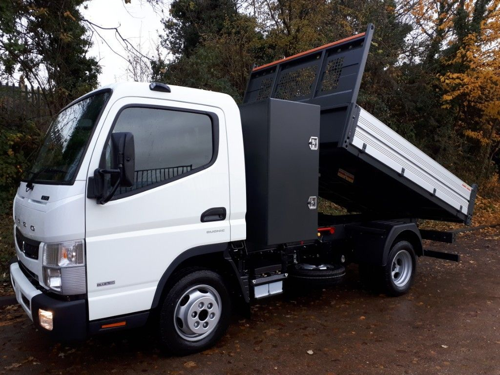 FUSO Canter AUTOMATIC Tipper+Toolpod - image 1