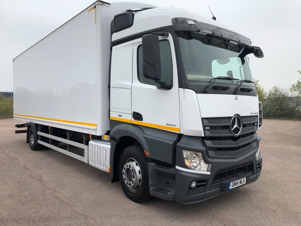 Mercedes-Benz Actros 1824L Euro 6 Box