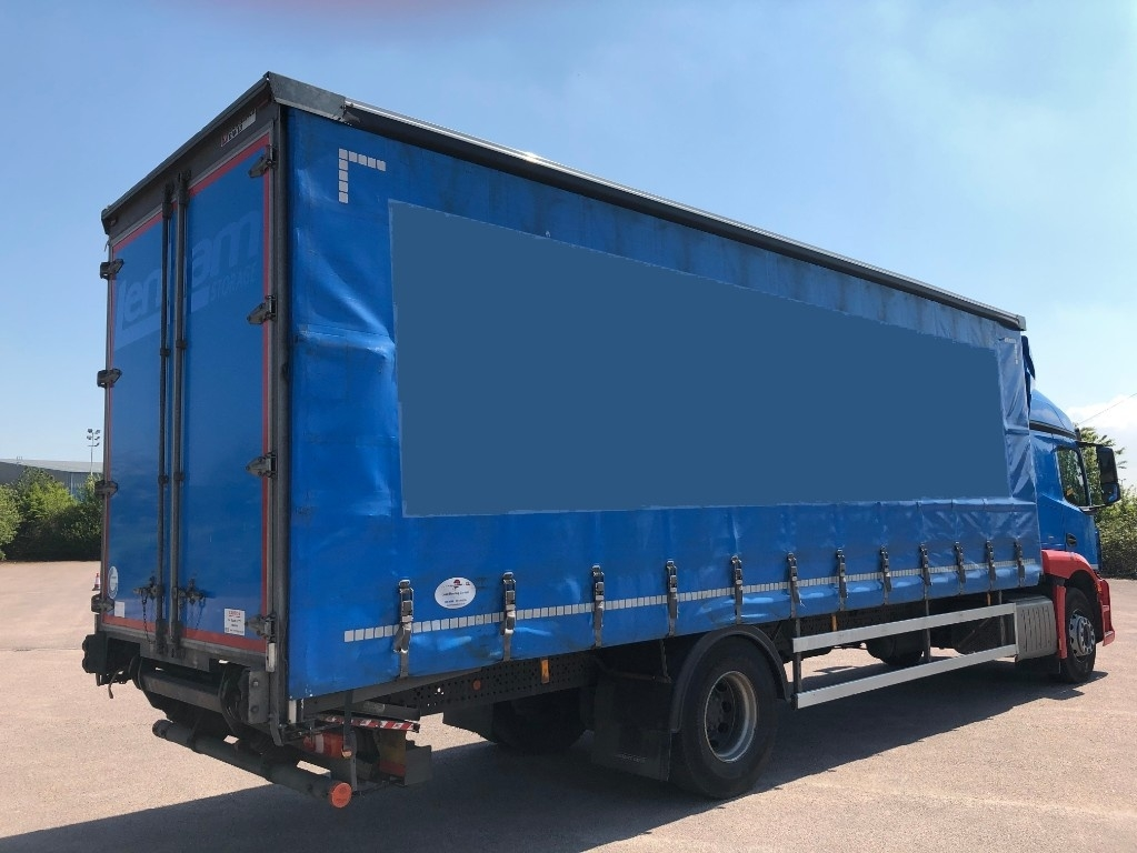 Mercedes-Benz Actros 1824L Curtainsider with taillift - image 4